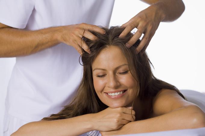 Masajes capilares para evitar la caida del cabello naturalmente