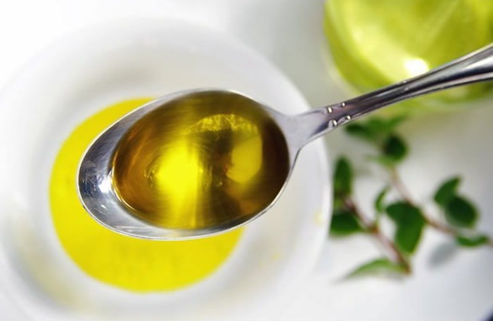 Mascarillas caseras para el cabello seco de Aceite de oliva