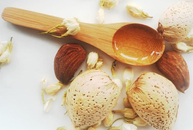 Tonicos naturales para el cabello y la caida del cabello con aceite de almendras