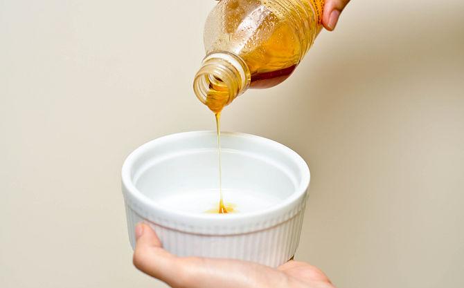 6 beneficios y ventajas de usar la miel para el cabello