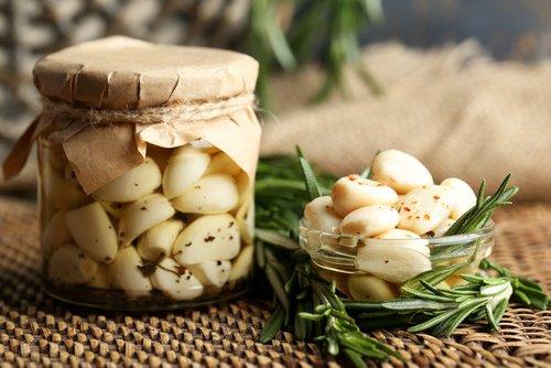 receta de aceite de ajo para la caída del cabello